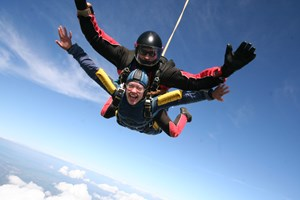 Stockists of 15000ft Tandem Skydive