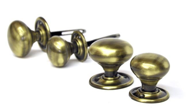Bargain Antique Brass Country Door Knobs Stockists