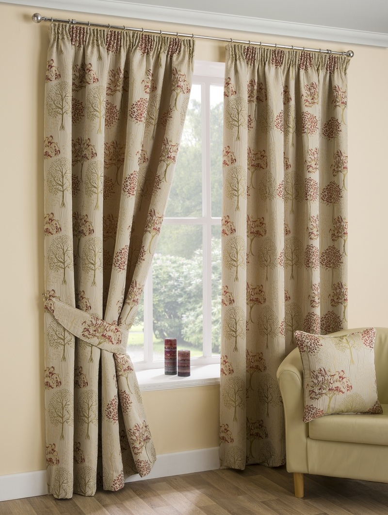 Bargain Chintz Cannes Ready Made Lined Curtains Stockists