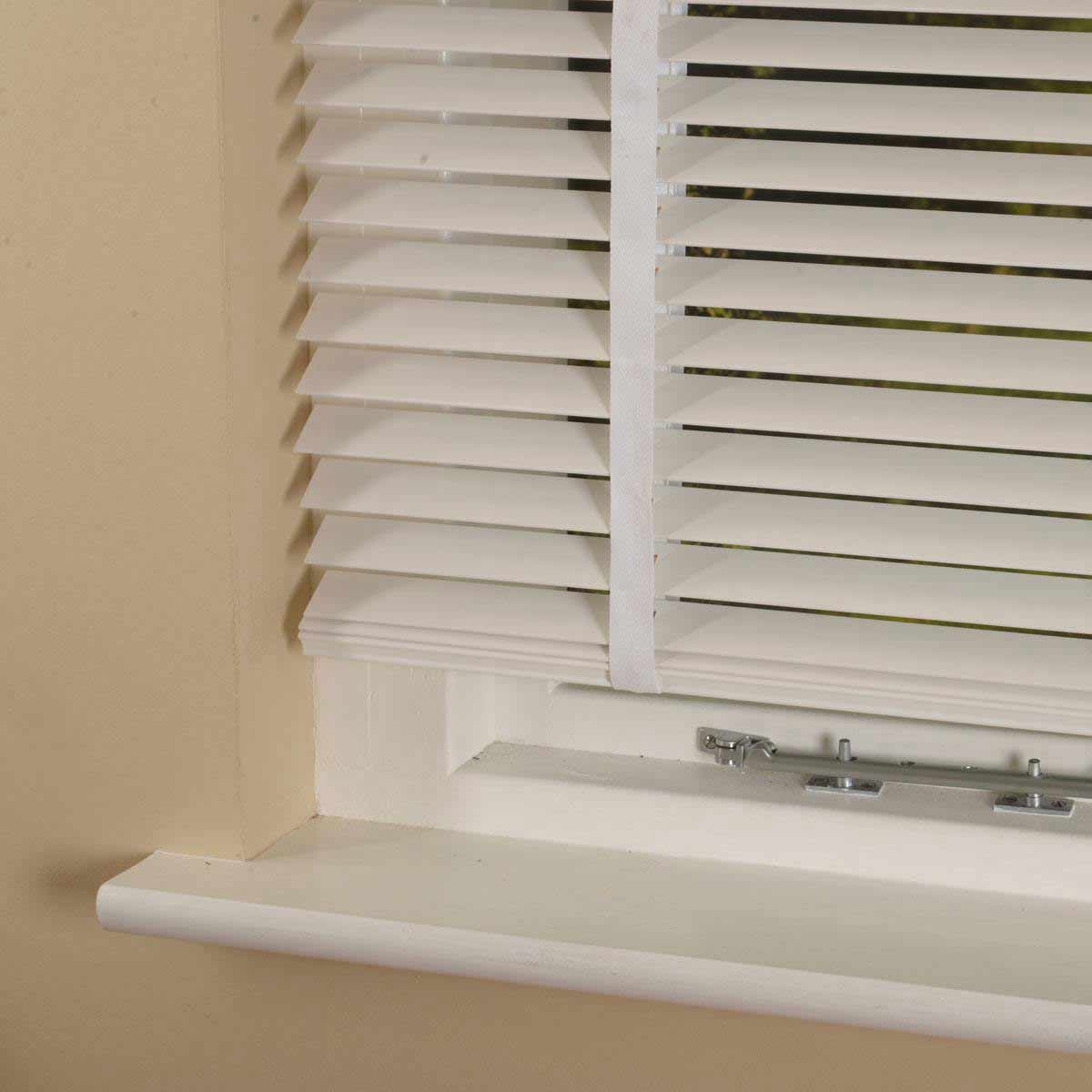 Stockists of Polar 35mm Elementi Wood Venetian Blind With Tapes